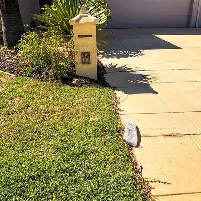 Pillar letterbox